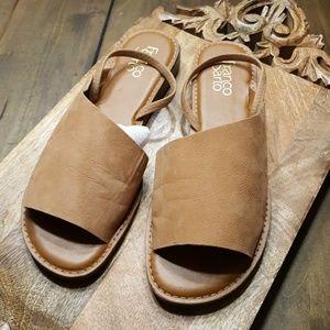 Lightly Used Tan Nubuck Leather Franco Sarto 9